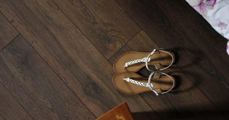 Skórzane sandały damskie – najmodniejsze modele sezonu