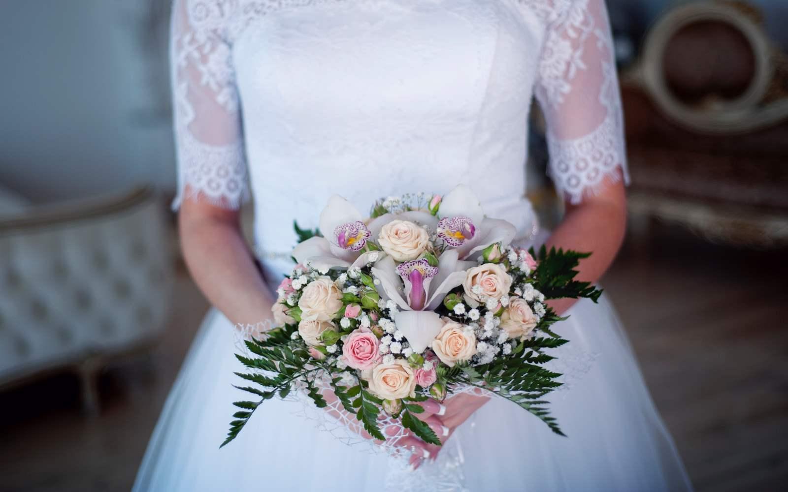 Jak dobrać najlepszy fason sukni ślubnej do sylwetki?