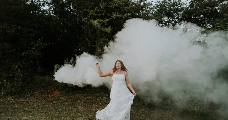 Sukienki ślubne w stylu boho. Modna alternatywa dla fasonu księżniczki