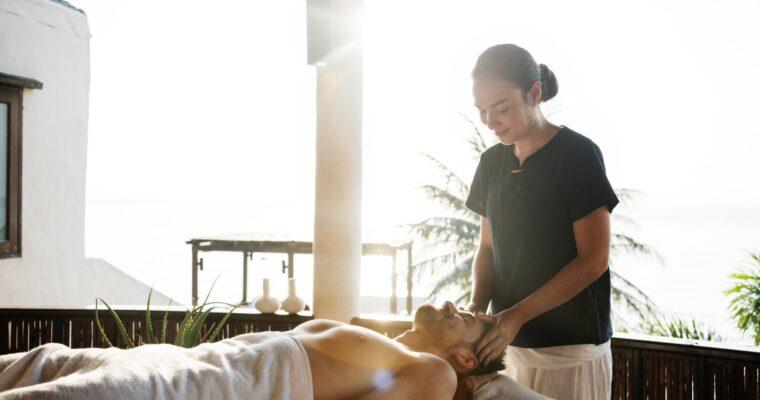 Stół do masażu – co wybrać do gabinetu masażysty?