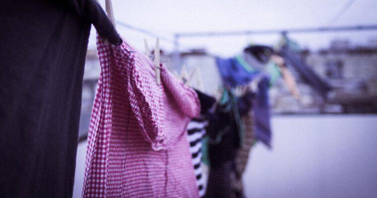 Dlaczego powinniśmy  kupować odzież używaną?