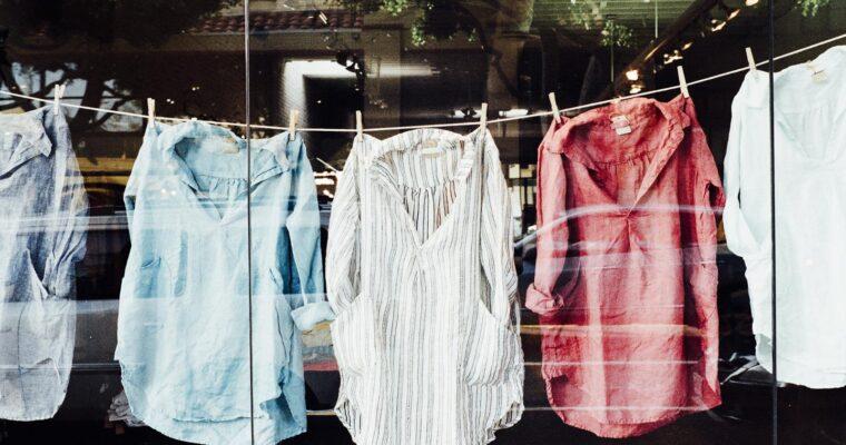 Czym zajmuje się dostawca odzieży używanej?